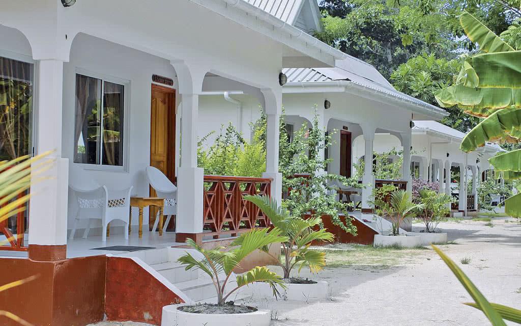 Villa Basse Avec Terrasse : Villa Veuve S u00e9jours u0026 Voyages aux Seychelles