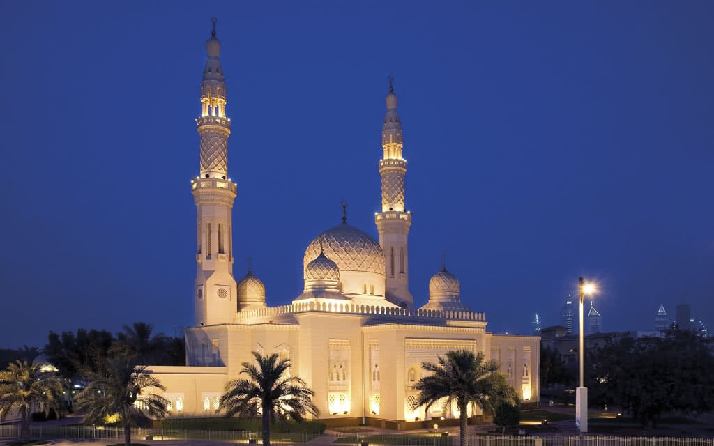 15fourpoints-jumeirah-mosque