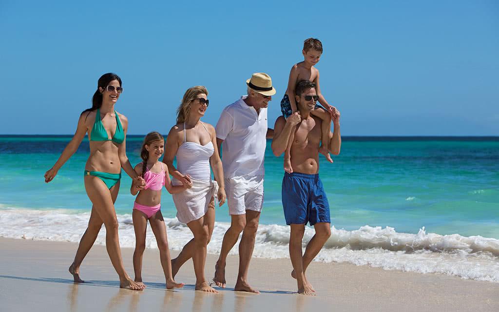 17-nolpc-ext-family3g-beach1-1a