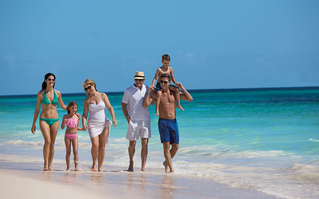 17-nolpc-ext-family3g-beach2-1a