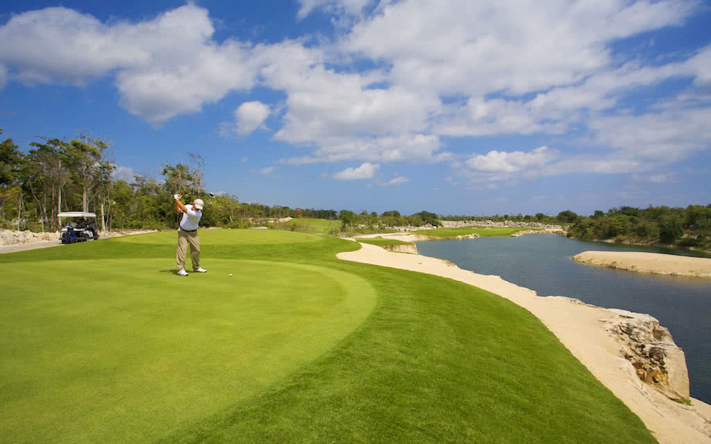 golf hotel luxury bahia principe bouganville