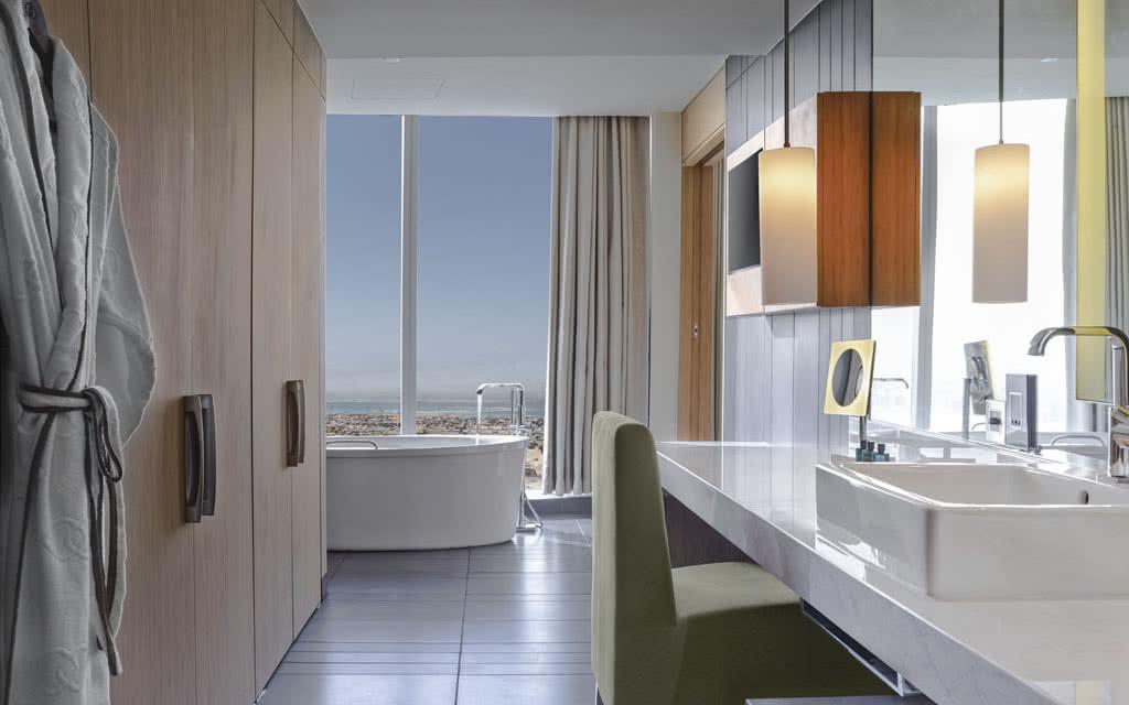 15sofiteldub-opera-suite-bath02