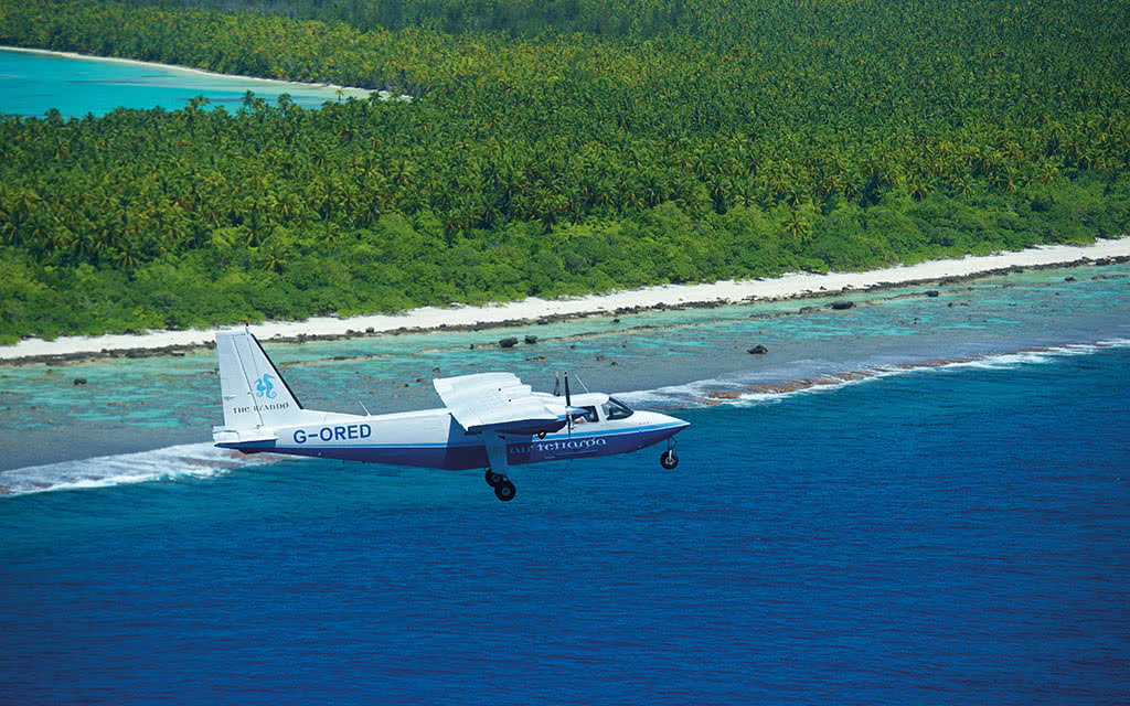 18brando-arrival-by-air-tetiaroa-16782013584-o