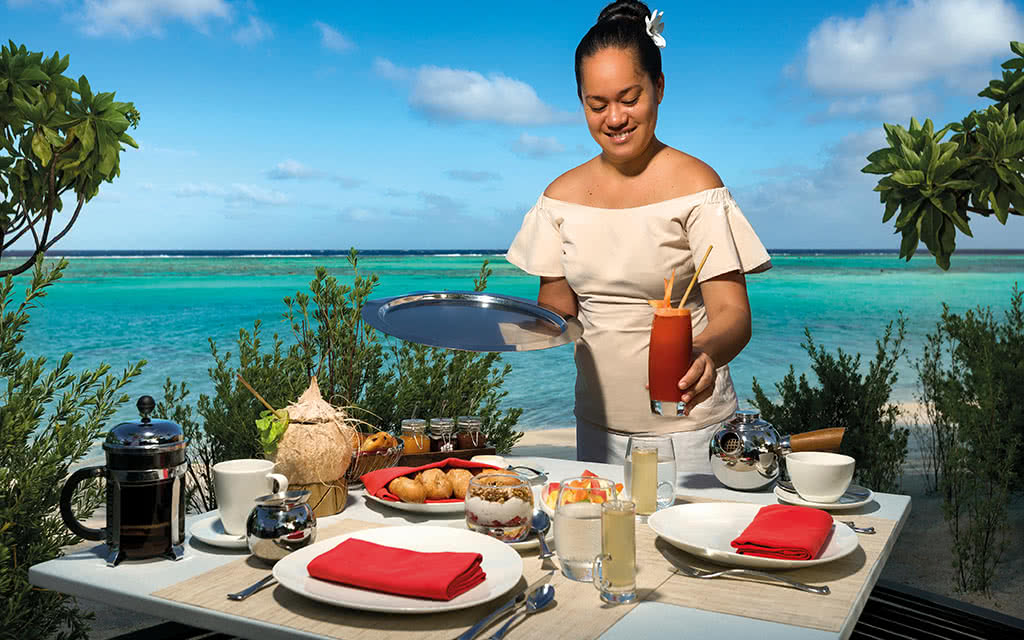 18brando-breakfast-at-the-beachcomber-caf-45070973885-o