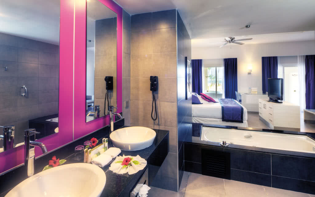 15riupalace-bathroom