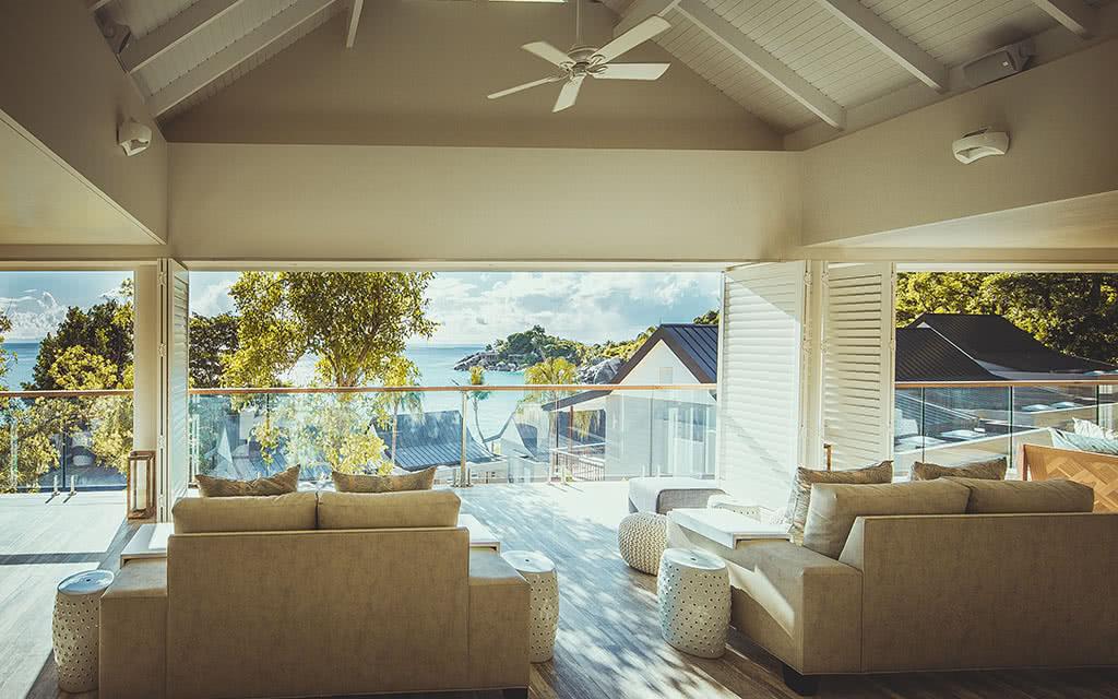 16-carana-view-from-lobby