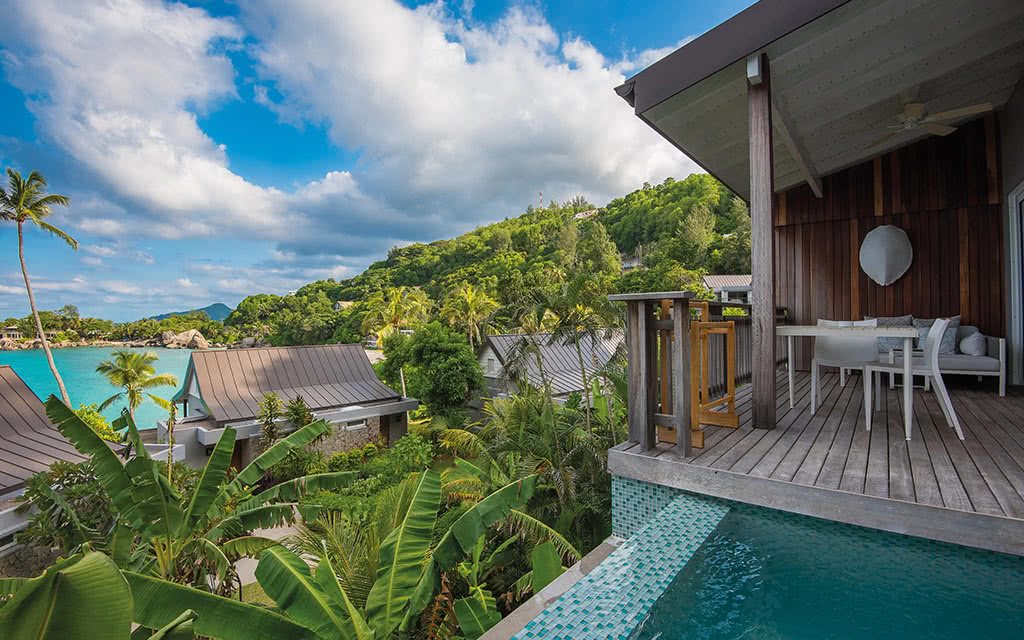 19-carana-ocean-view-pool-view