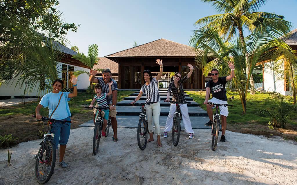 16thebarefoot bike tours