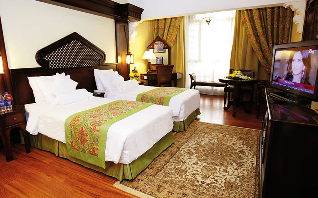 16arabian-executive-room
