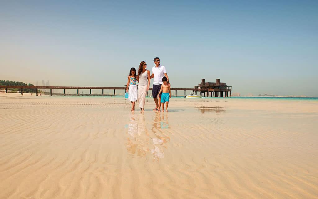16minaa-private-beach-pierchic