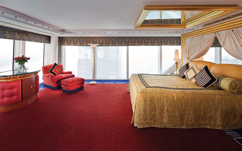 16burj-al-arab-panoramic-suite-bedroom-upper-level