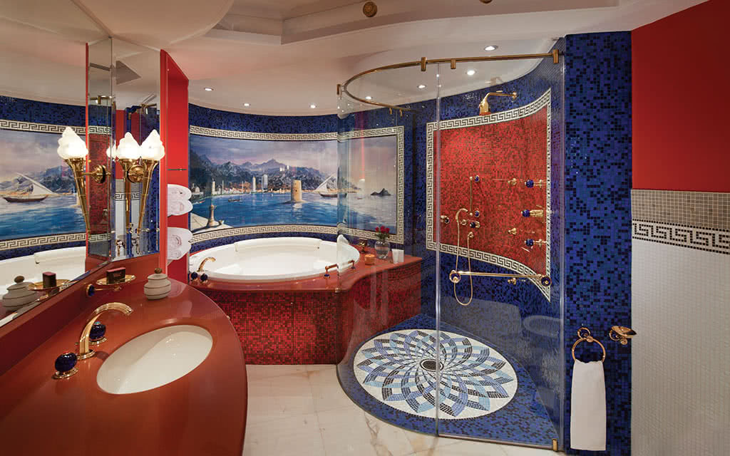 16burj-al-arab-panoramic-suite-luxury-bathroom-upper-level