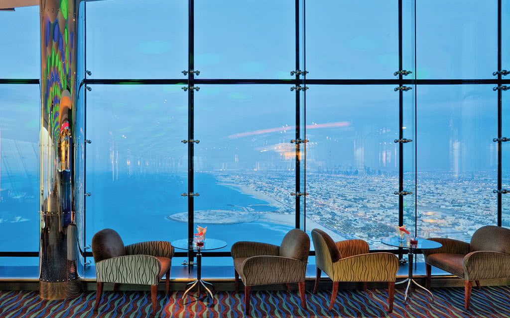 16burj-al-arab-skyview-bar-1