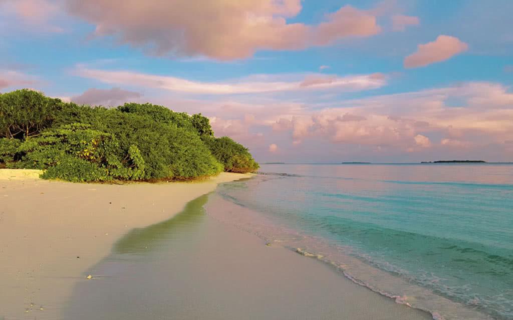 16 dhigali sand bank sunset
