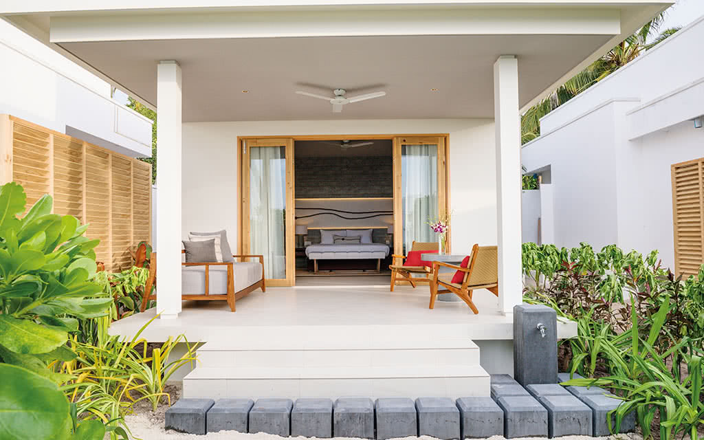 17 dhigali beach villa exterior