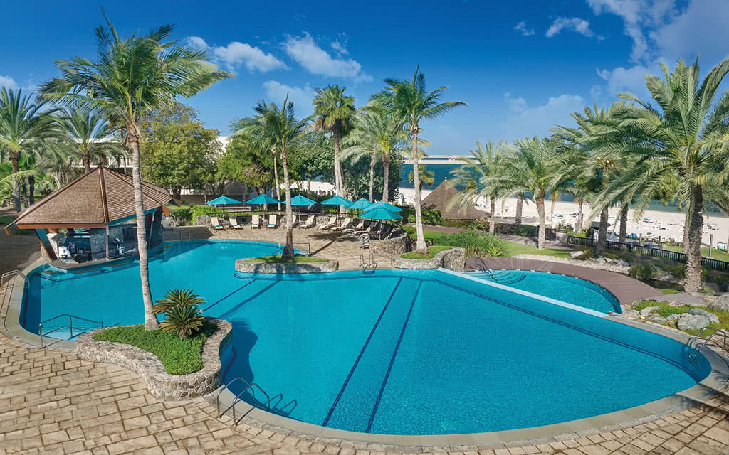 16ja-palm-tree-court-la-fontana-pool