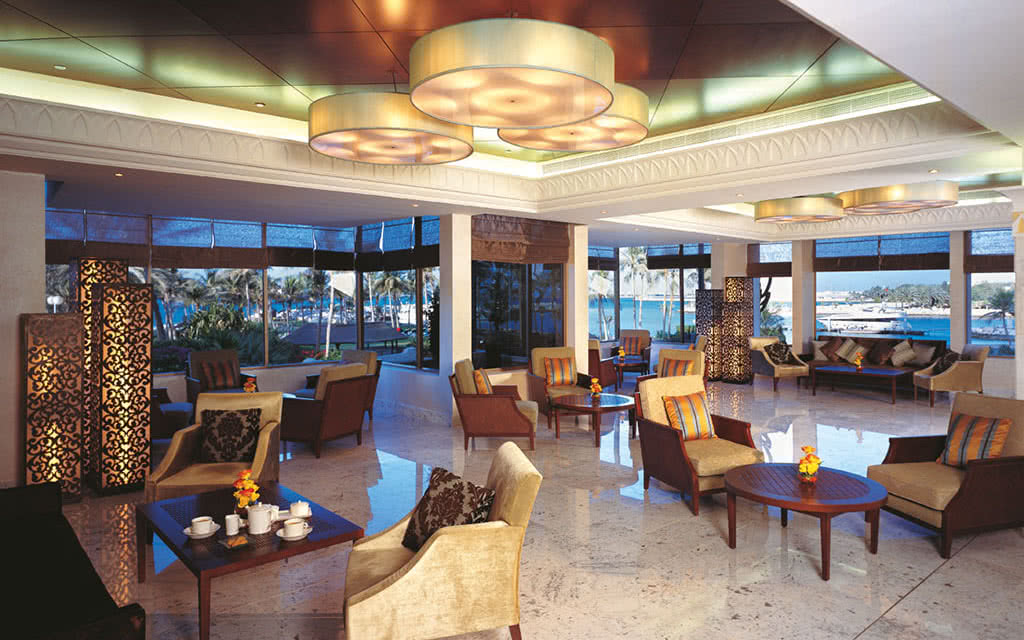 16ja-jebel-ali-beach-hotel-sunset-lounge