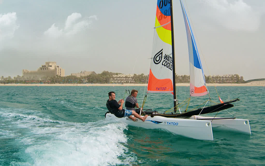 16ja-jebel-ali-beach-hotel-water-sports-311
