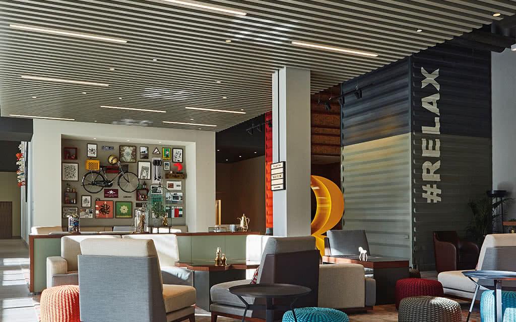 16rove-downtown-lobby-lounge