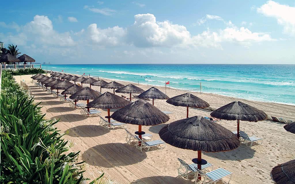 17 82paradisuscancun beach