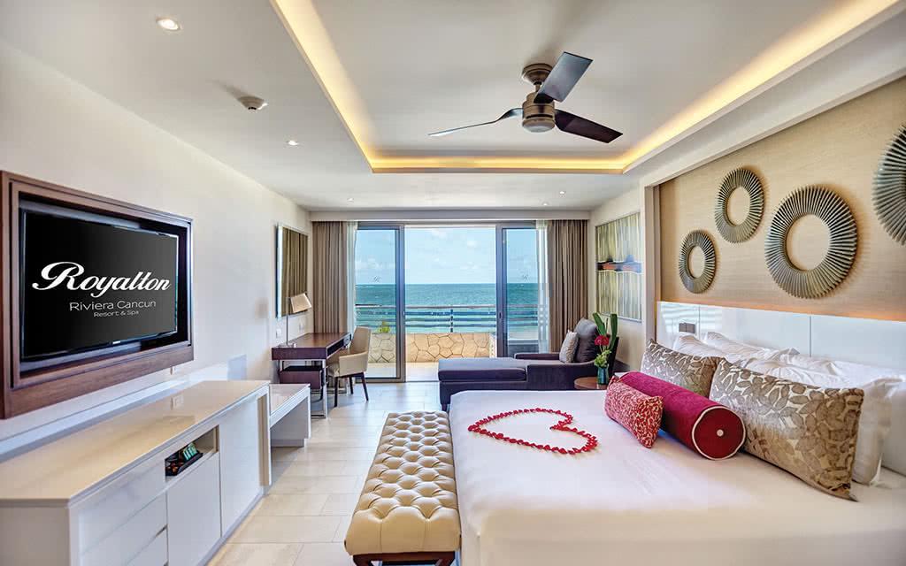 17hideawaycancun diamond club honeymoon suite oceanview