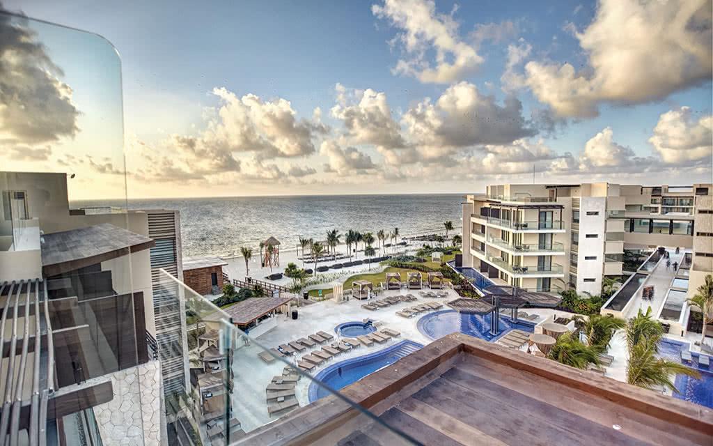 17hideawaycancun diamond club luxury presidential one bedroom suite oceanview with terrace jacuzzi