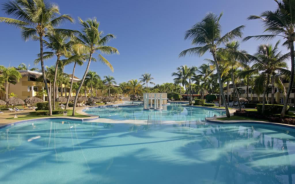 iberostar-costa-dorada-piscine02