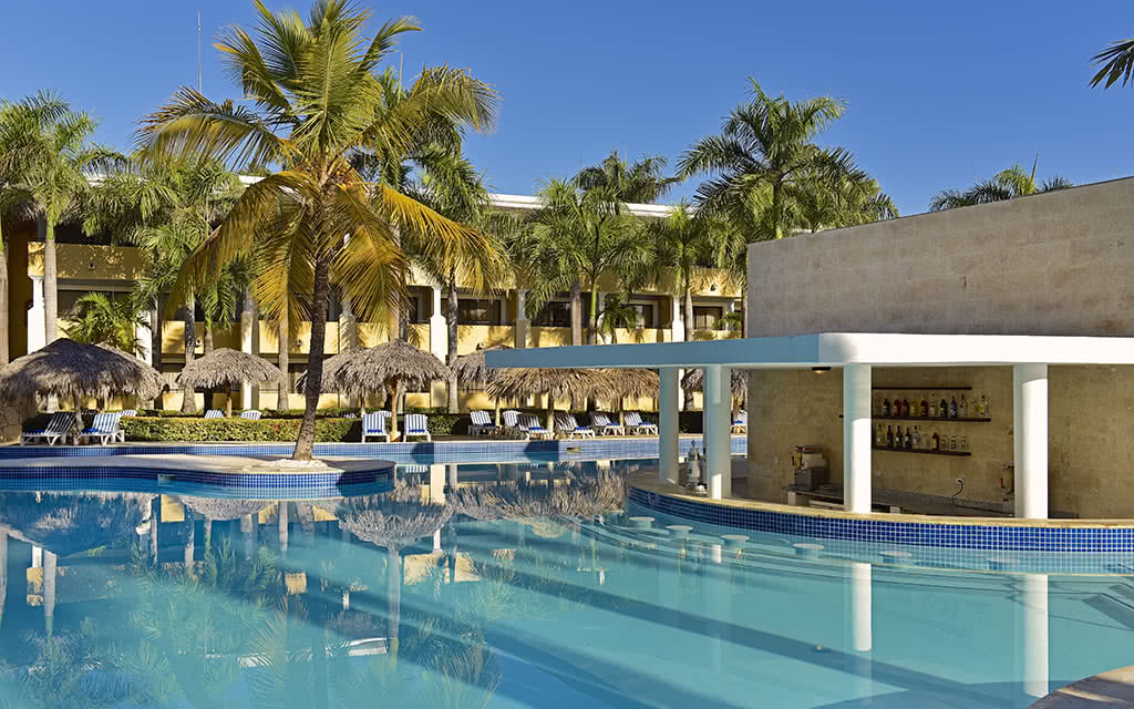 iberostar-costa-dorada-piscine06