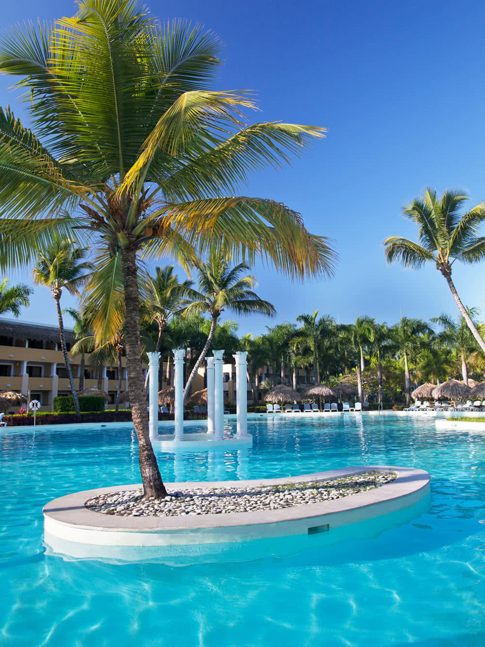 iberostar-costa-dorada-piscine07