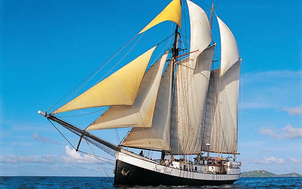 16-slht-sea-pearl-sailing